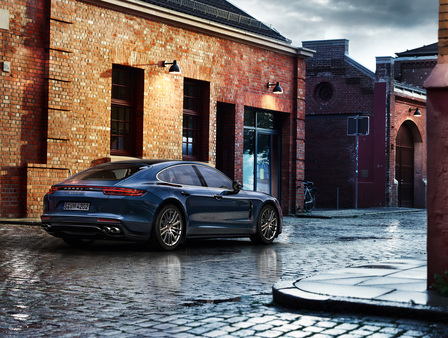 The new Porsche Panamera 4S Diesel.